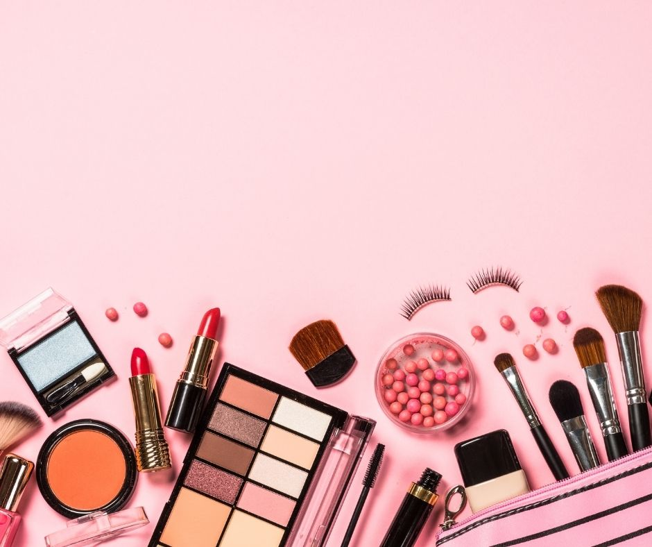 Gift-Ideas-for-her-Makeup