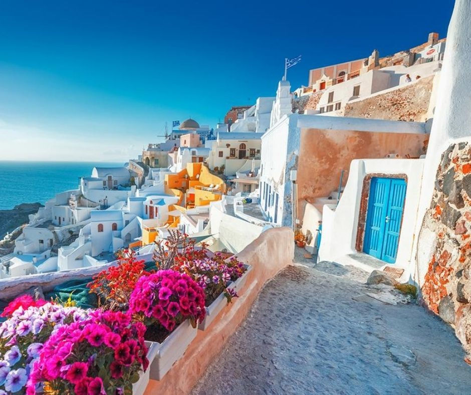 Best Romantic Honeymoon Destinations In Europe (Athens)